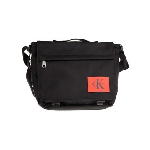 Bolso Calvin klein Jeans K40K400155 Color Negro con Logo...